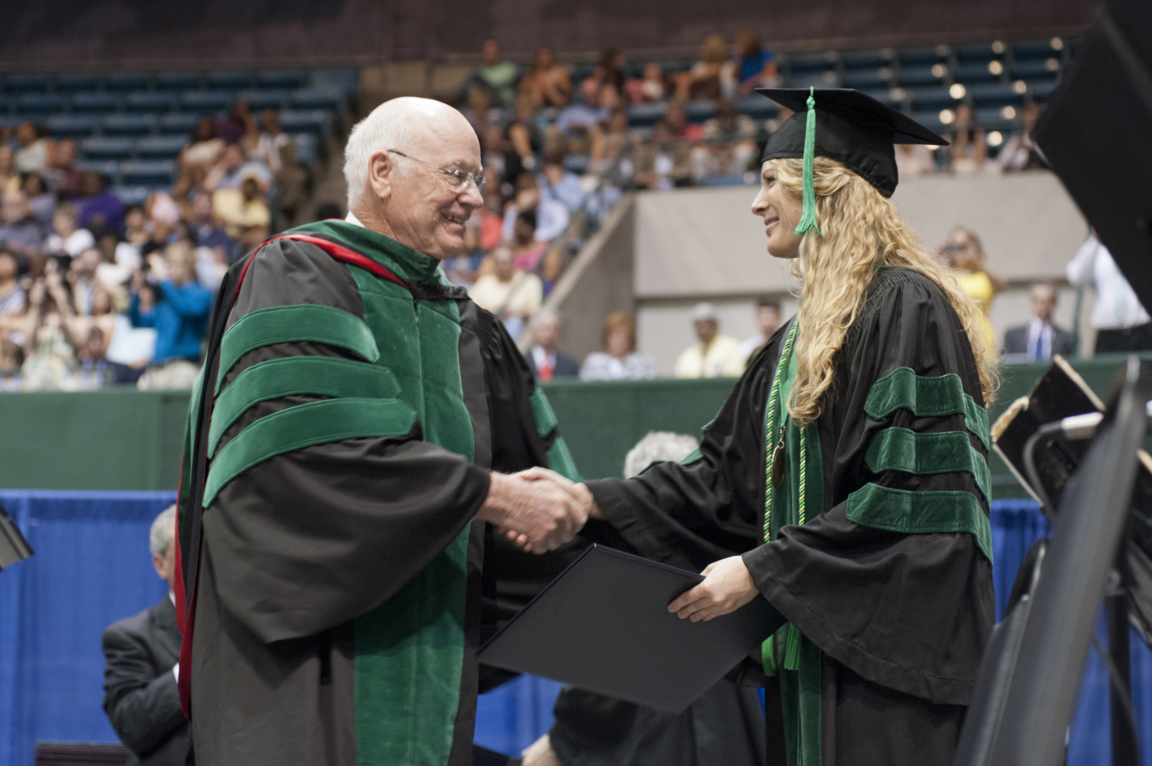 In largest commencement ever, UMMC confers 846 degrees to health-care and science professionals