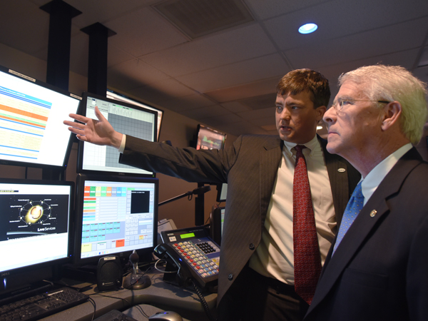 Senator gets a glimpse at life-saving telecommunications