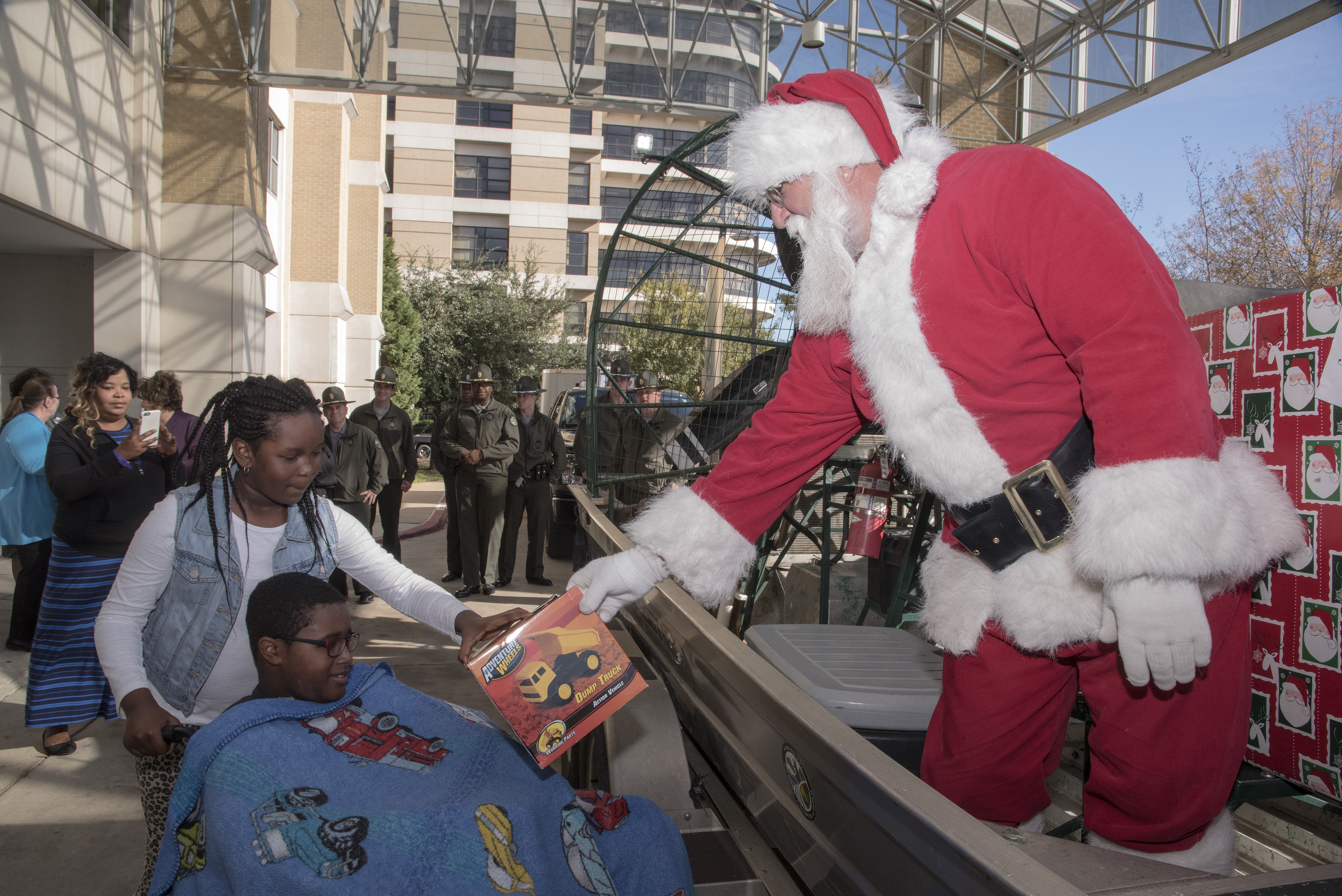 MDWFP officers, Santa wrap up Christmas for Batson