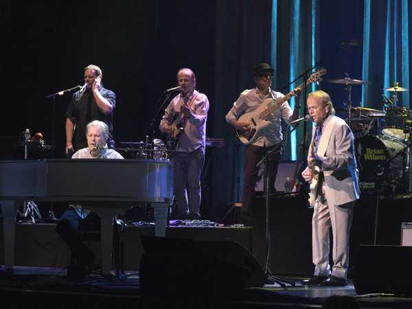Brian Wilson, Al Jardine and the band sing to the California and Mississippi girls.
