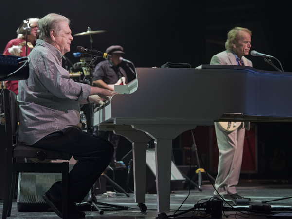 Brian Wilson plays to 'Shut Down' Alzheimer's