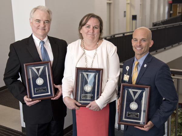 Record numbers earn 2016 Excellence in Research Awards