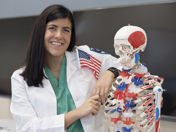Medical student makes pledge to new profession, new country