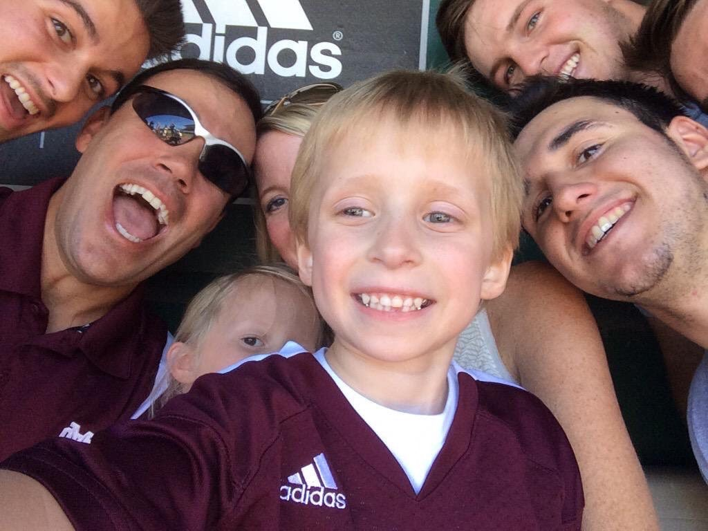 Campbell takes a selfie with members of the MSU baseball team in Starkville August 2015 during Campbell Dale #HailState Day.