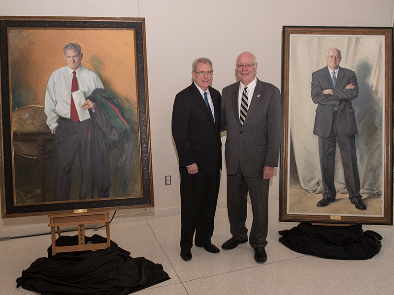 Portraits unveiled for two big-picture leaders