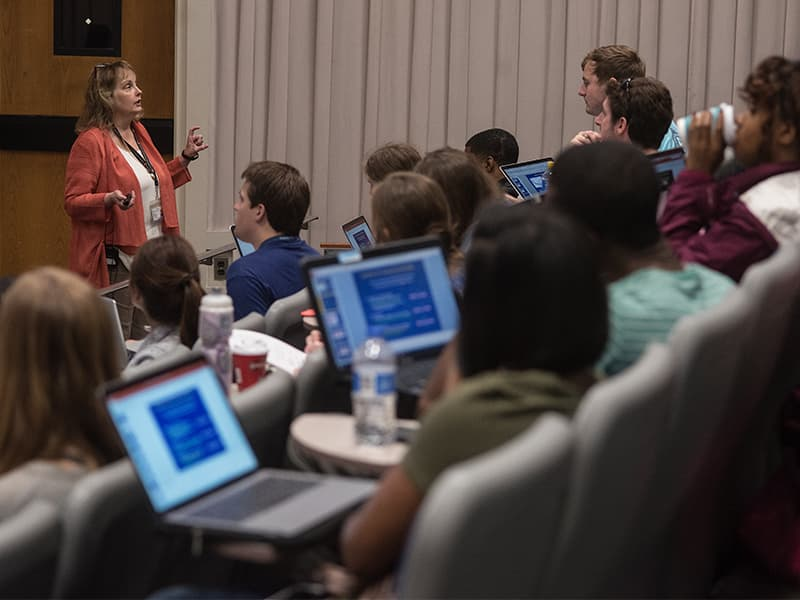 Students in the Master of Science in Biomedical Sciences program attend physiology lecture with Dr. Barbara Alexander, professor of physiology and biophysics. New classroom space and increased interest in master's and post-baccalaureate training prior to medical and dental school have spurred UMMC to increase class sizes in the degree program.