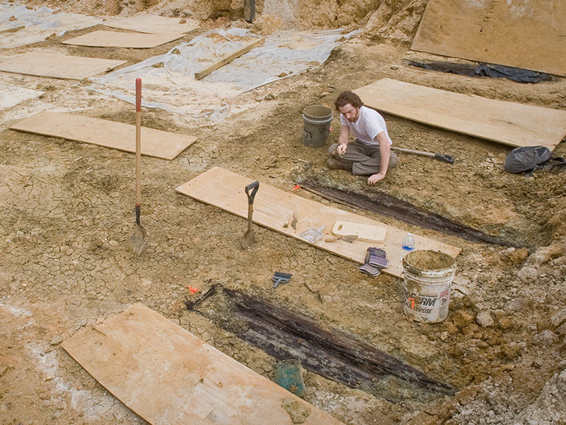 2013-Asylum-graves-excavation-web.jpg