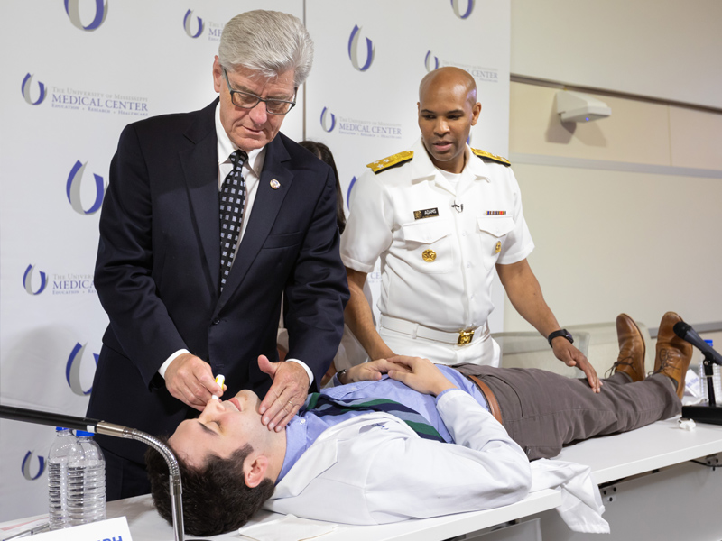 Surgeon General: Agency cooperation, use of opioid-reversal drug can stem epidemic