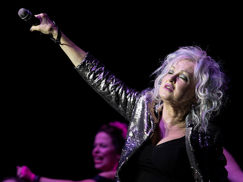 "Lauper shows ""True Colors"" during concert supporting MIND Center"