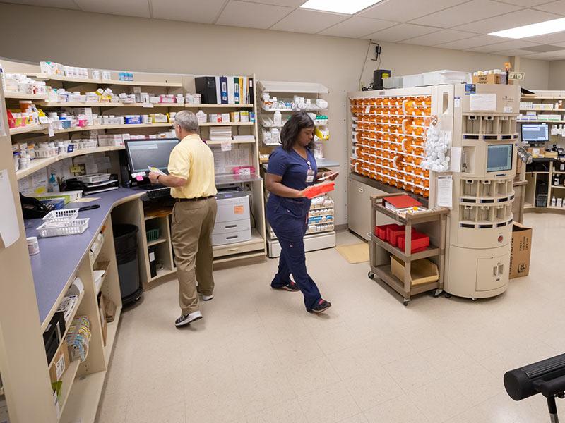 Medical-Mall-Pharmacy-2.jpg