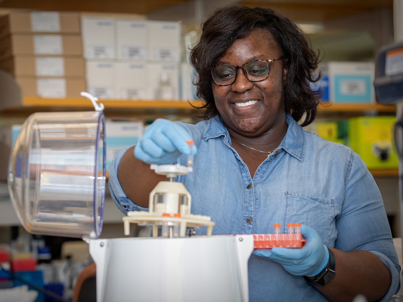 London Williams is a researcher and lab manager in the Department of Physiology and Biophysics.