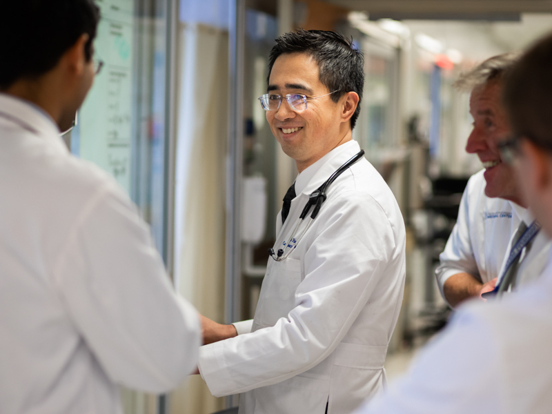 Dr. Frank Han, a fellow in UMMC's adult congenital heart disease program, makes rounds in the cardiac ICU.