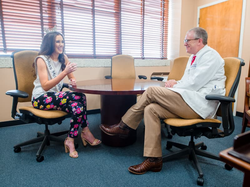 Miss Mississippi Mary Margaret Hyer discusses her organ and tissue donation platform with Dr. Chris Anderson, professor and chair of the Department of Surgery and an abdominal transplant surgeon.
